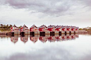 Fischerhütten in Svolvaer Norwegen von Hilda Weges