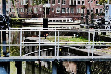 Utrecht - Sluis en rondvaartboot van Wout van den Berg