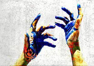 Hands of a painter