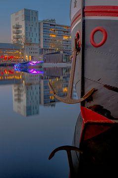 Ship met anker in de Piushaven  van Freddie de Roeck