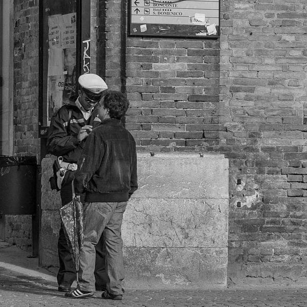 Politie in Urbino, Italië van arjan doornbos