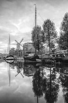 Museumhaven van Gouda met molen