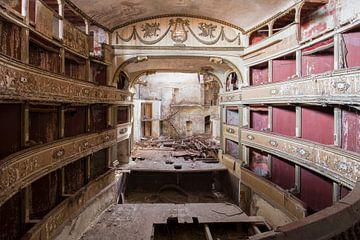 théâtre imposant abandonné sur Kristof Ven