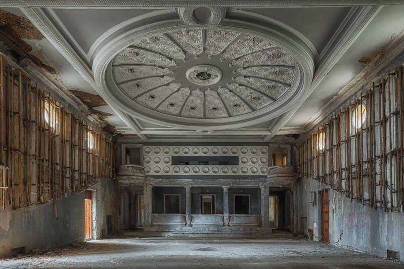 Verlaten Theater van Maikel Brands