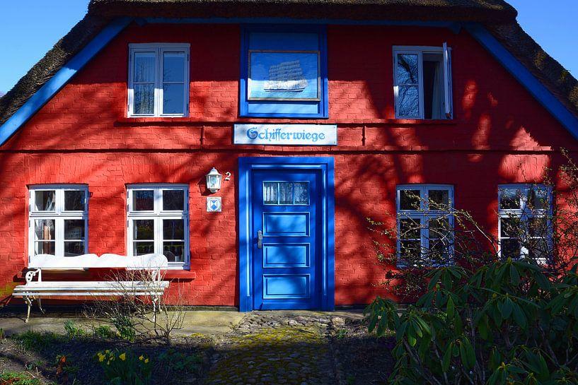 Altes Kapitänshaus in Wustrow von Gisela Scheffbuch