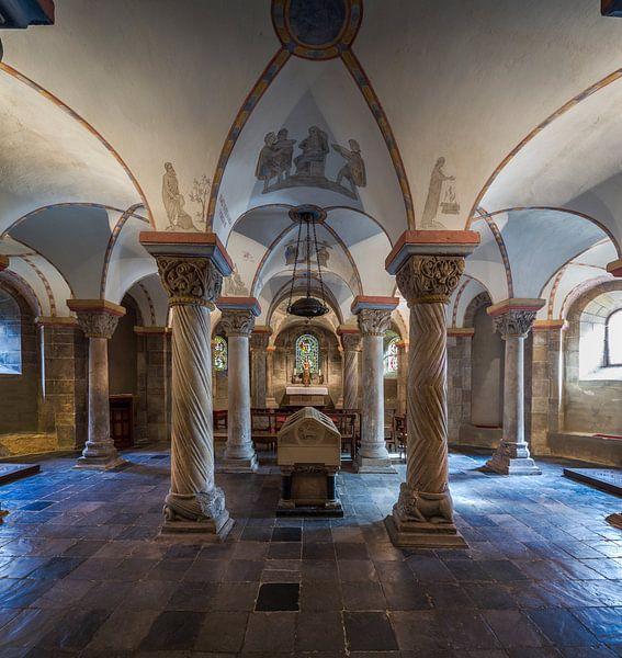 Crypte 1 van Ernst van Loon