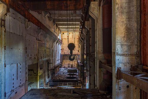 De verlaten fabriek in Pripyat van Truus Nijland