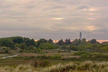 Eiland schiermonnikoog in Nederland met de witte vuurtoren