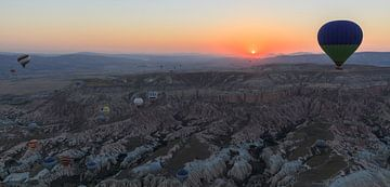 Zonsopkomst in Cappadocië sur Roy Poots