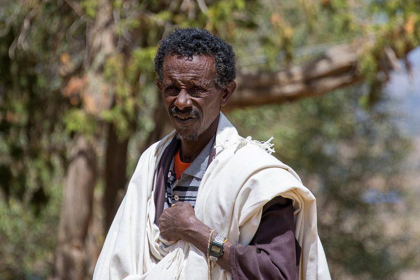 Priester in Ethiopië van Bram de Muijnck
