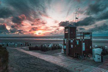 Het DLRG huis aan het strand van Spiekeroog van Steffen Peters
