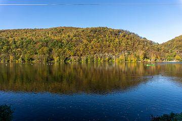 Herfst aan de Hengsteysee in het Ruhrgebied van Peter Schickert