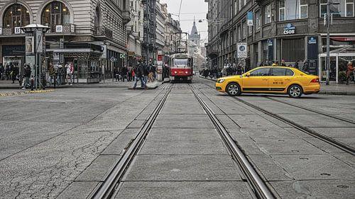 Taxi en Tram in Praag van Bastiaan Schuit