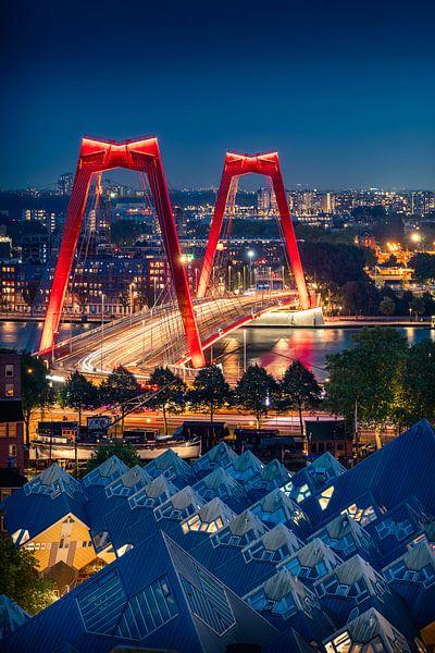 De Willemsbrug en Kubuswoningen in Rotterdam van Thom Brouwer