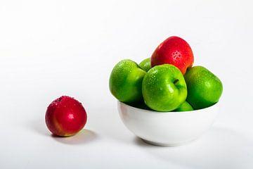 Rote und grüne Äpfel von Göran Dekker