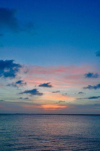 Sunset in paradise von Myrthe Visser-Wind