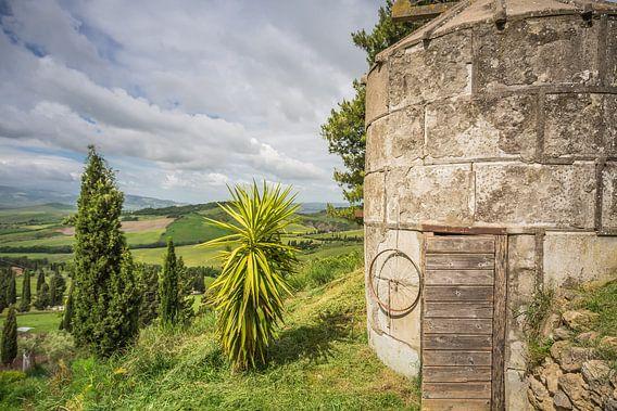 Waterput bij boerderij in Toscane I