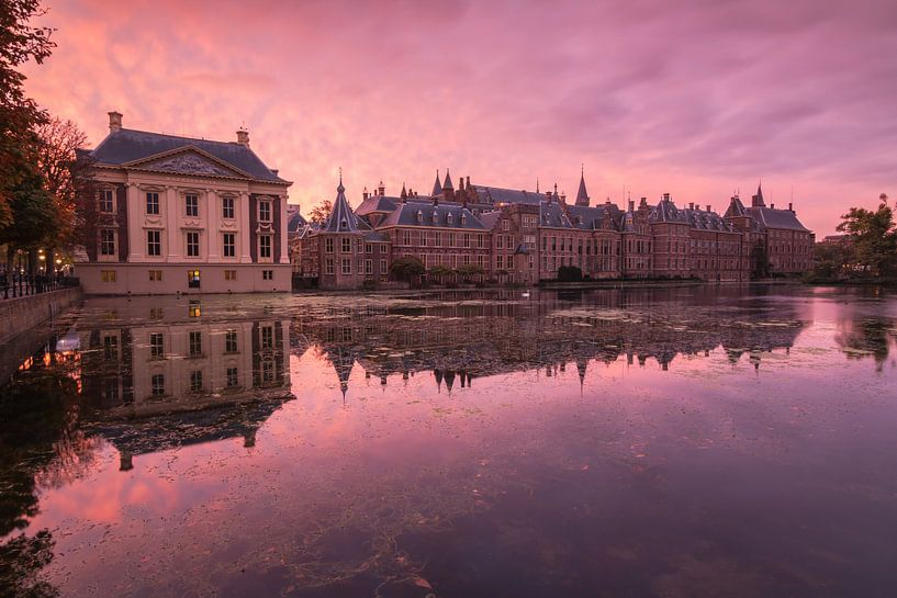 Sunrise in The Hague van Ilya Korzelius