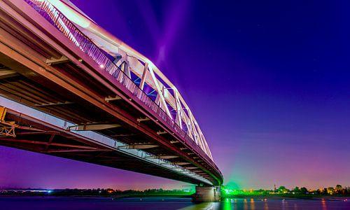 Snelbinder bij nacht, Nijmegen von Maerten Prins