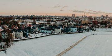 Klein Kadoelen im Winter mit Sonnenuntergang von Mike Helsloot