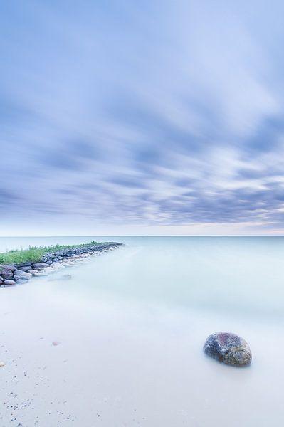 Blauwe uurtje IJsselmeer van Monique Pouwels