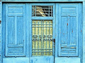 Deur in blauw van Sigrid Klop