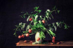 Stilleven bloemen van Monique van Velzen