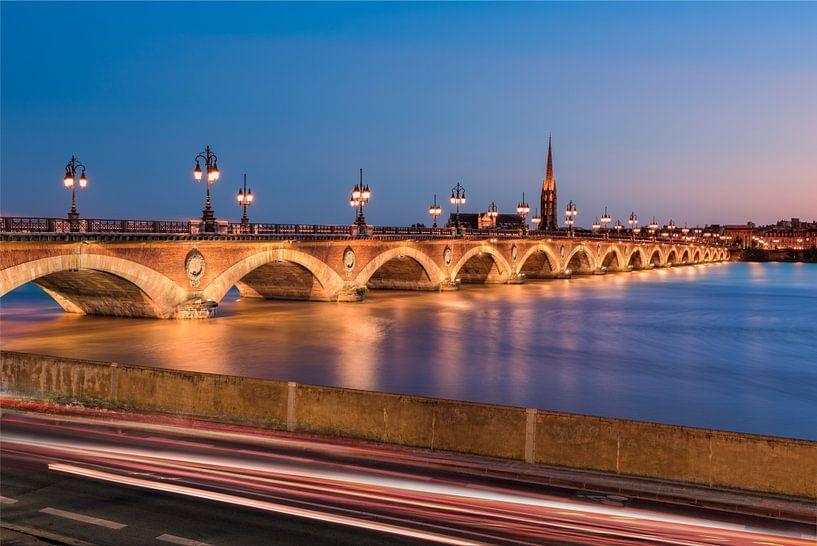 Le pont de Pierre van Arnaud Bertrande