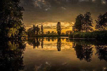 Sonnenuntergang auf See more von Marja Spiering