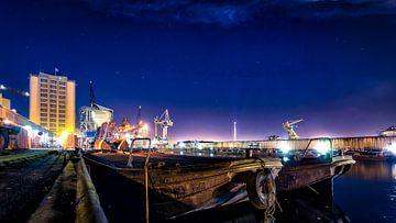 Westpoort bij nacht von Maarten Drupsteen