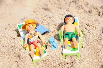 Spelen op het strand van Studio Bosgra