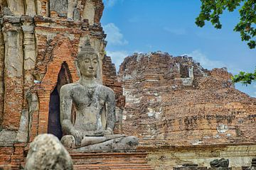 Ein buddhistischer Tempel in Ayutthaya von Bernd Hartner