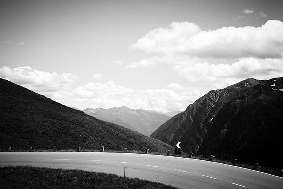 Mountainroad van Bas Stijntjes