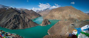 Panorama der Türkis Yamdrok See, Tibet von Rietje Bulthuis