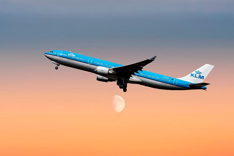 PH-AKE KLM Royal Dutch Airlines Airbus A330-300, KL2020. van Gert Hilbink