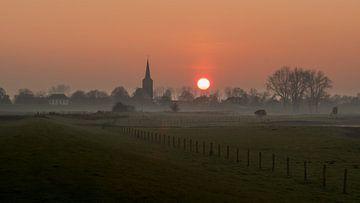 Zonsondergang bij Ravenswaaij van Moetwil en van Dijk - Fotografie