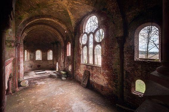 Kerk is Verlaten. van Roman Robroek