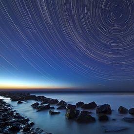 Sterstrepen boven de Noordzee van Anton de Zeeuw