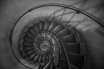 De wenteltrap van de Arc de Triomphe van MS Fotografie | Marc van der Stelt