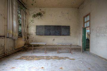 Verlassene Orte: Die Schule ist aus von Sandra van Hout