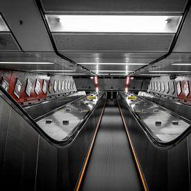 Verlaten roltrap, Hong Kong  van Nick Janssens