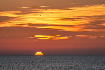 Sonnenuntergang am Atlantik von Uwe Merkel
