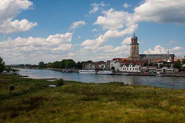 Skyline van Deventer met IJssel van VOSbeeld fotografie
