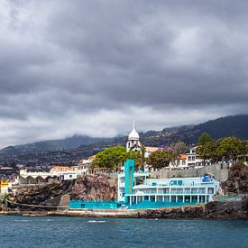 Blick auf die Stadt Funchal auf der Insel Madeira sur Rico Ködder