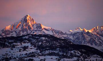 Alpenglow Bietschhorn Zwitserse Alpen van Menno Boermans
