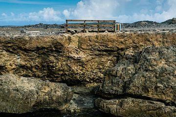 Eenzame prullenbak, Curacao, Shete Boka National Park van Paul van Putten