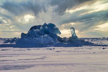 Packeis Skulptur auf Svalbard / Spitzbergen von Kai Müller