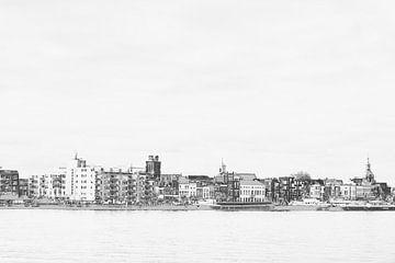 Dordrecht - skyline - grijs-zwart-wit van Ineke Duijzer