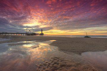 Zonsondergang op het strand van Scheveningen van Rob Kints
