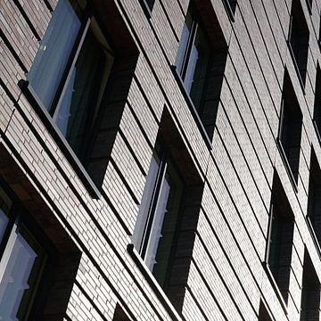Fassade eines modernen Hauses in Berlin von Heiko Kueverling